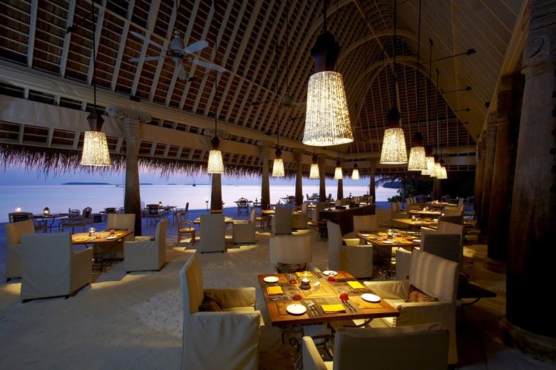 43285684-H1-Plates_restaurant