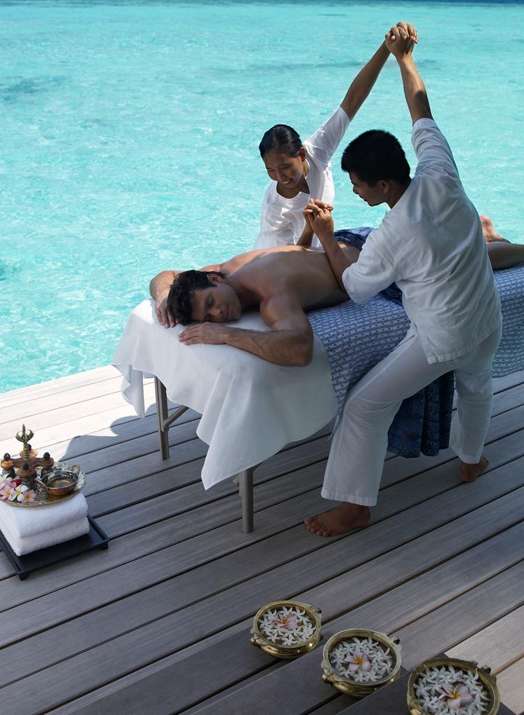 Four Seasons Resort Maldives At Landaa Giraavaru Lets Go