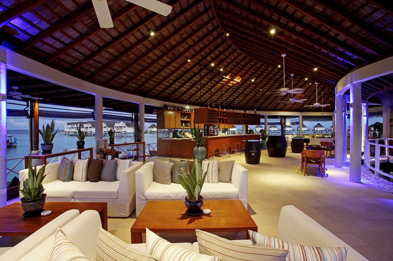 Centara Grand Island Resort & Spa Maldives - Aqua Bar