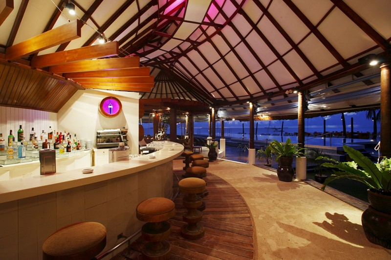 Centara Grand Island Resort & Spa Maldives - Coral Bar 1