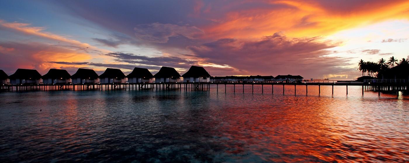 Centara Grand Island Resort & Spa Maldives – Evening of Luxury Sunst Water Villa2