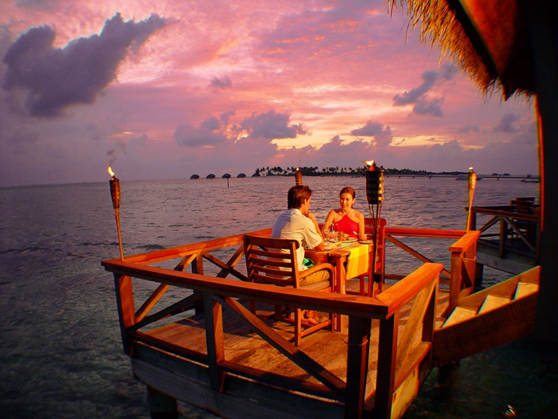 Sunset Grill Couple