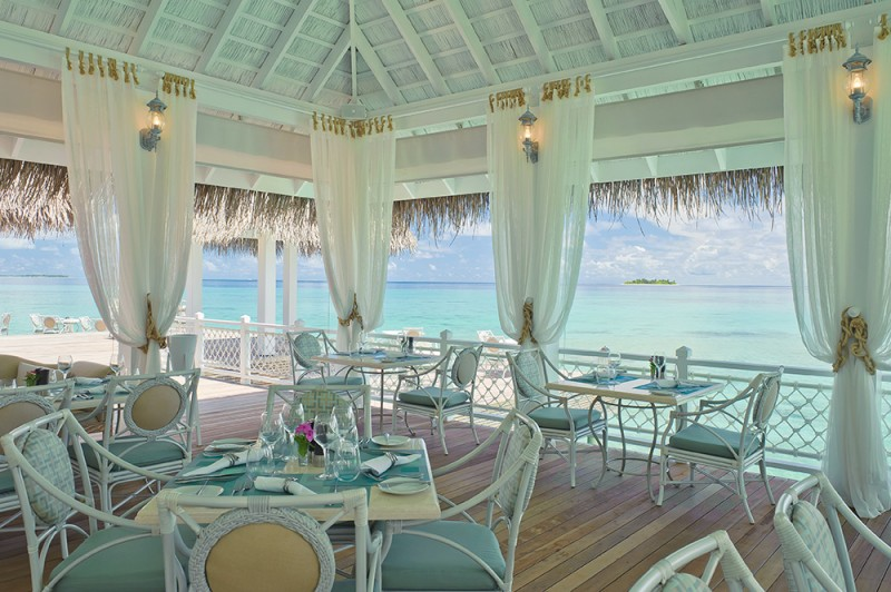 The Ocean Breeze Bar