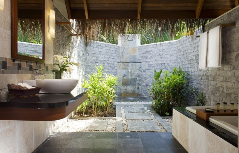Cottage Semi Open Bathroom