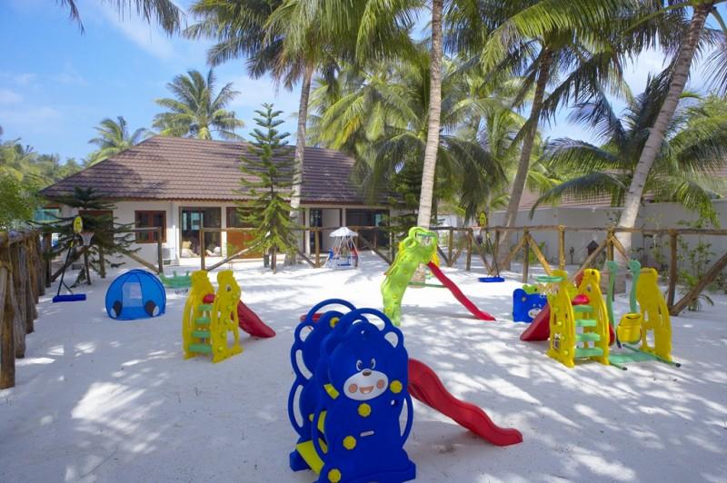 HuvahendhooIsland_KidsPlayground