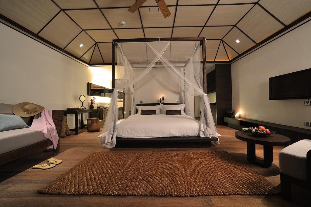lily beach resort spa lets go maldives. Black Bedroom Furniture Sets. Home Design Ideas