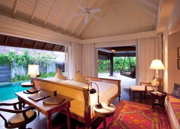 Naladhu_Maldives-Beach-House-Bedroom-NLD_837
