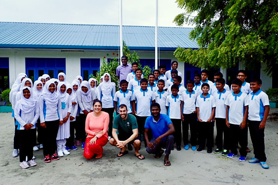 CLAIRE-WITH-BAA.HITHAADHOO-SCHOOL-CHILDREN_