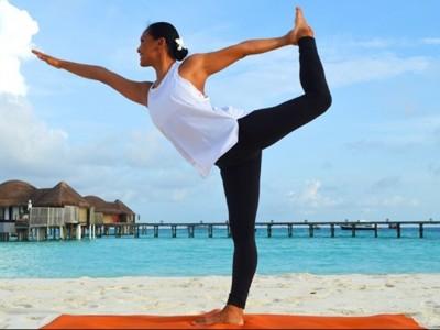 tiffany-brook-constance-halaveli-yoga