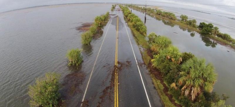 gw-impacts-sea-level-rise-military-hunter-flooded-road