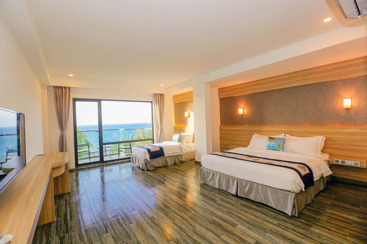deluxe-family-room-kaani-grand