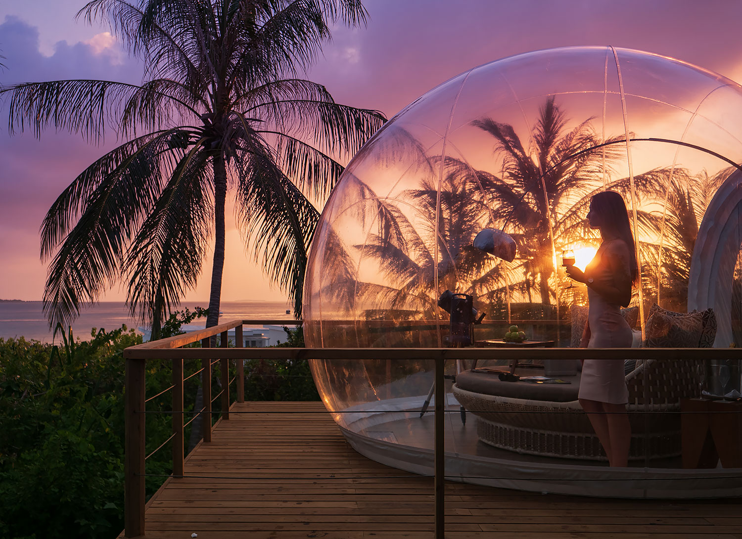 Skyhouse-with-Bubble--sunset-shot_web