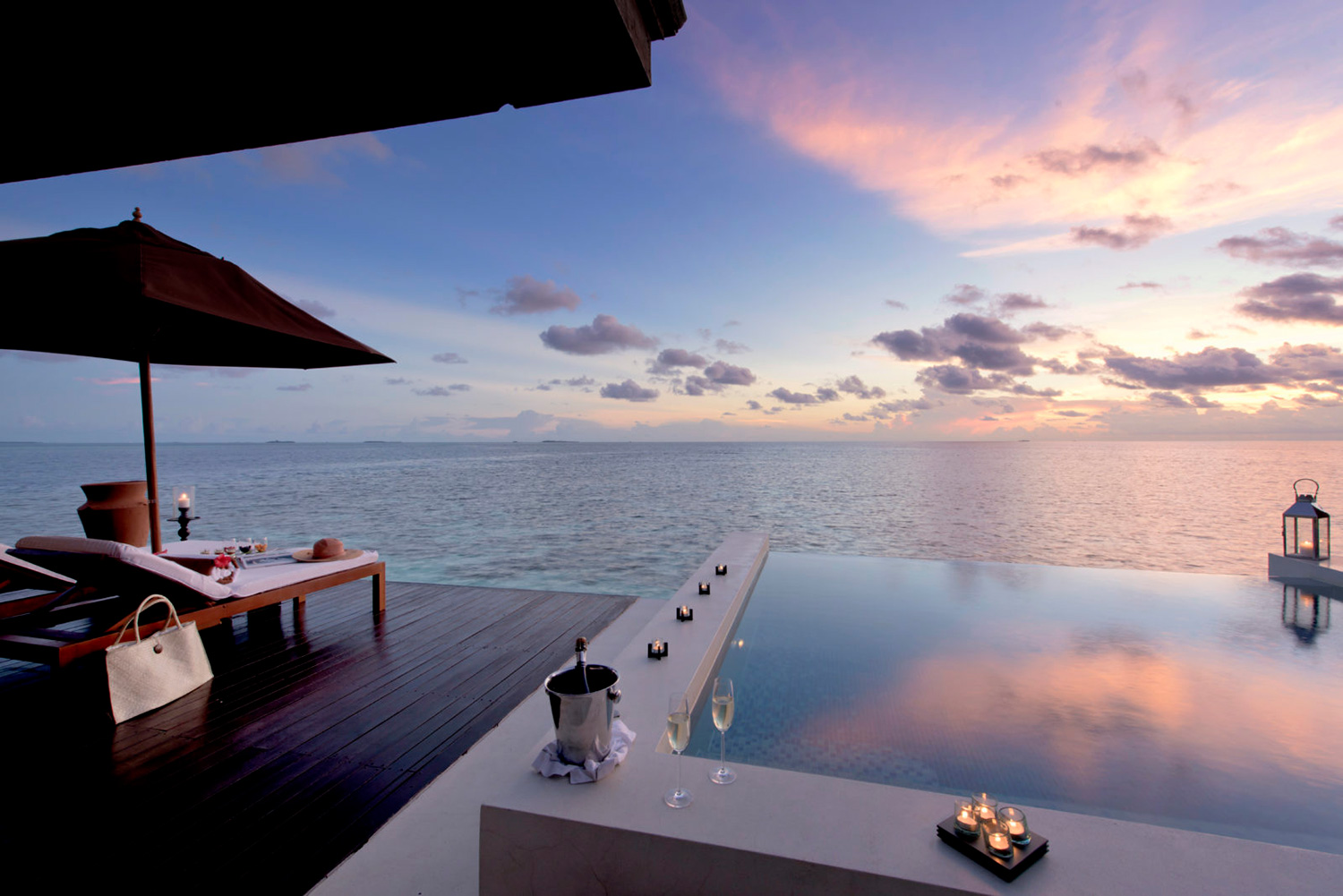 Sunset-Water-Suite-exterior-2-1600x1068_web