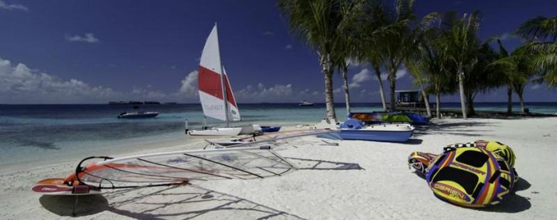 jumeirah-dhevanafushi-watersports-hero