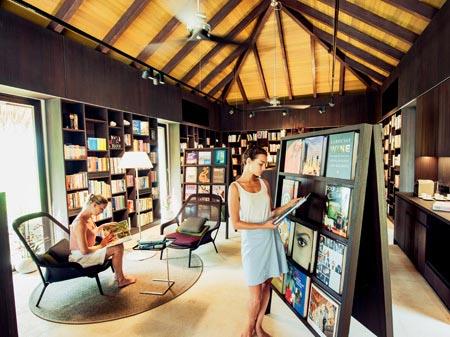 library Velaa
