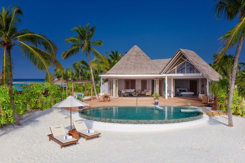 milaidhoo_maldives_beach_resident_2