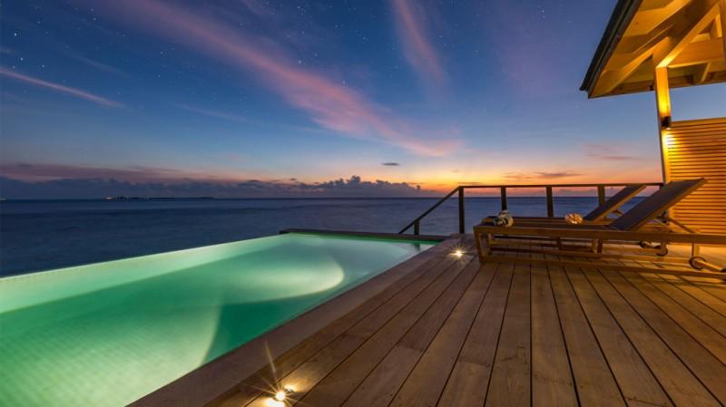 ocean_pool_night-1030x579