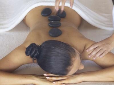 baros-maldives_spa-hot-stone-massage_hr